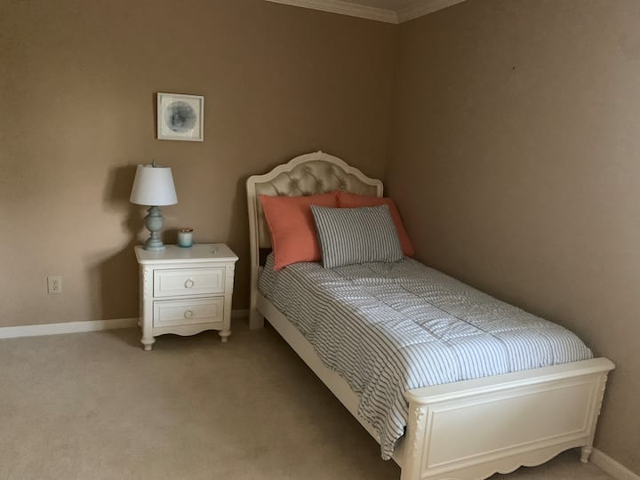 Twin Bed in Riverchase