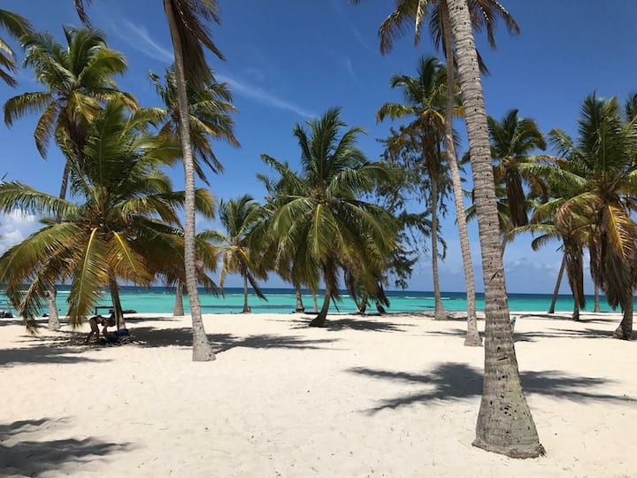 Seabreeze Beach Condo, Wi Fi, Pool, Self check in