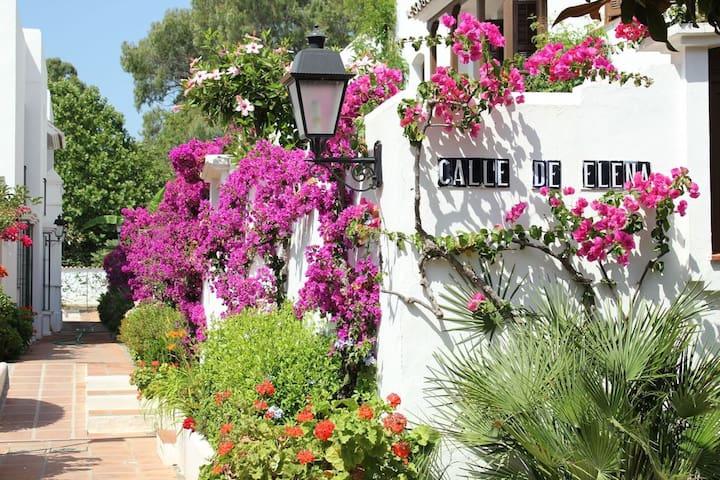 Estepona-Villacana. Nice apartment near the sea