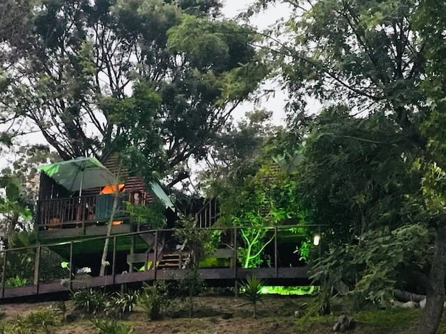Stay in your very own treehouse in the heart of Knysna, looking over the Knysna Lagoon.