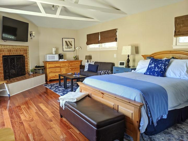 Centerpointe Cozy Suite