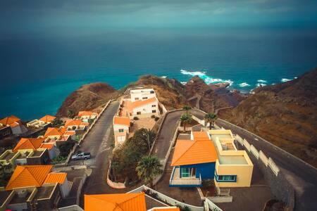 LUATUR - Alojamento, Restauração e Turismo