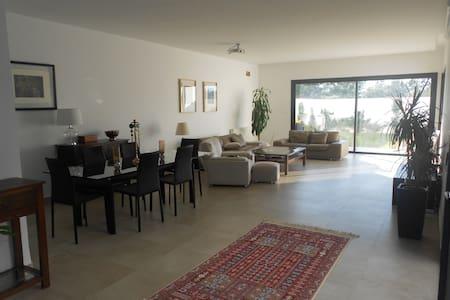 Villa moderne avec piscine à la Soukra - Tunis - Casa de camp