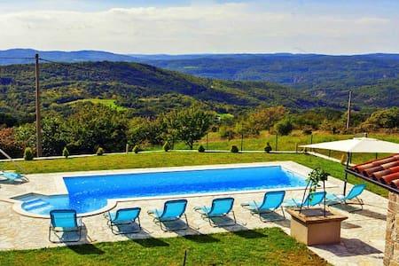 Robinson house - Lupoglav, Istria - Lupoglav