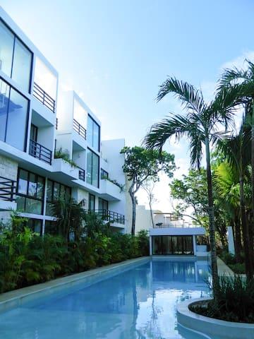 Wonderful 2BD Villa w Beach Club Access