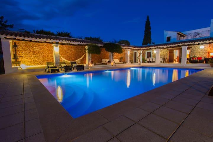 Villa close to Ibiza Town - Balearic Islands - Villa