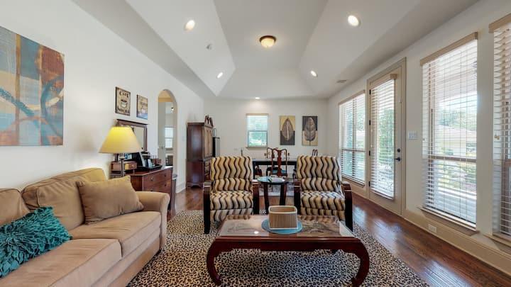 2 Bedroom Suite on 2 Acre Homesite