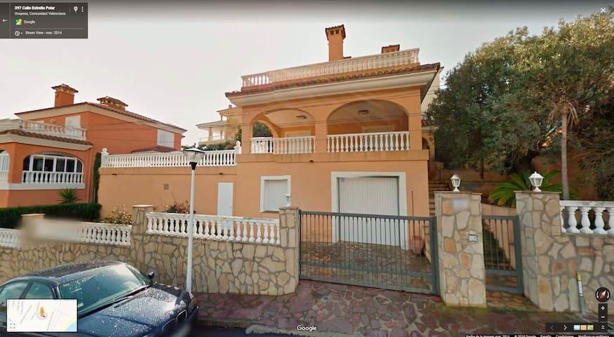Villa de 2 plantas