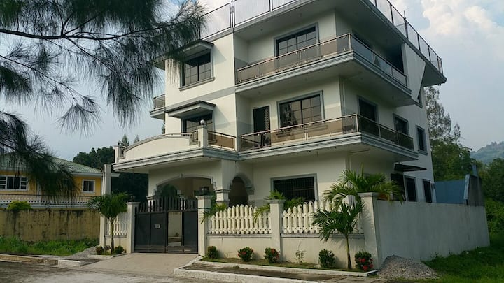 Affordable House for Rent in Subic