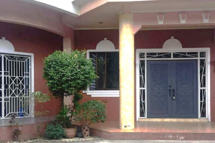 SPACIOUS Entire House❤ 3BR NeflixWi-fi PARKNG Avai