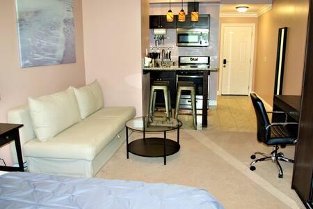 Studio #2, private entrance/kitchen/bathroom