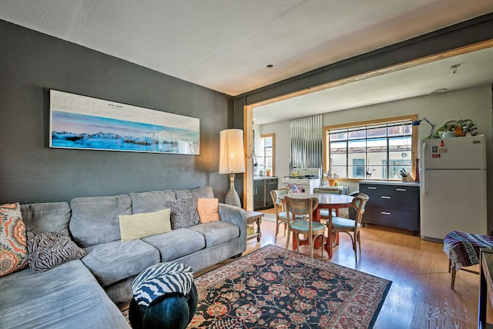 NEW! Cozy Red River Apartment in the Heart of Town