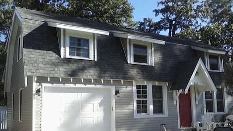 Two Bedroom Home Minutes from Cedar Lake