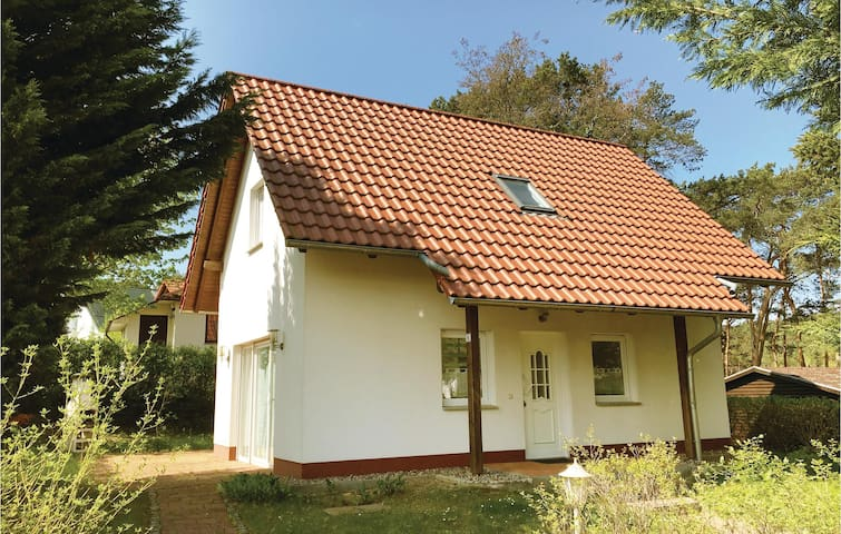 Holiday cottage with 2 bedrooms on 75 m² in Angermünde/Herzsprung