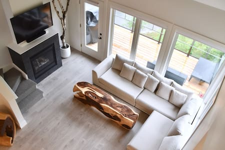 Brand New Treetop Luxury Retreat