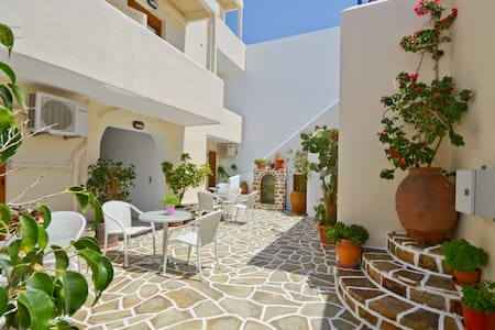 Margo's Double/Twin Room - Naxos - Bed & Breakfast