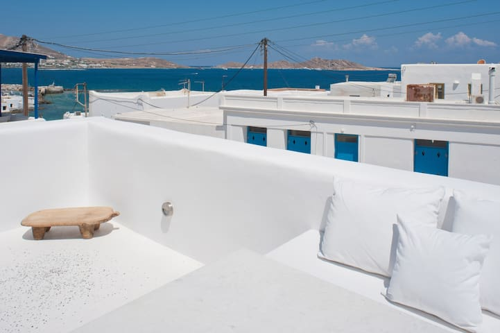 La vue sur la mer / The sea view from the terrace