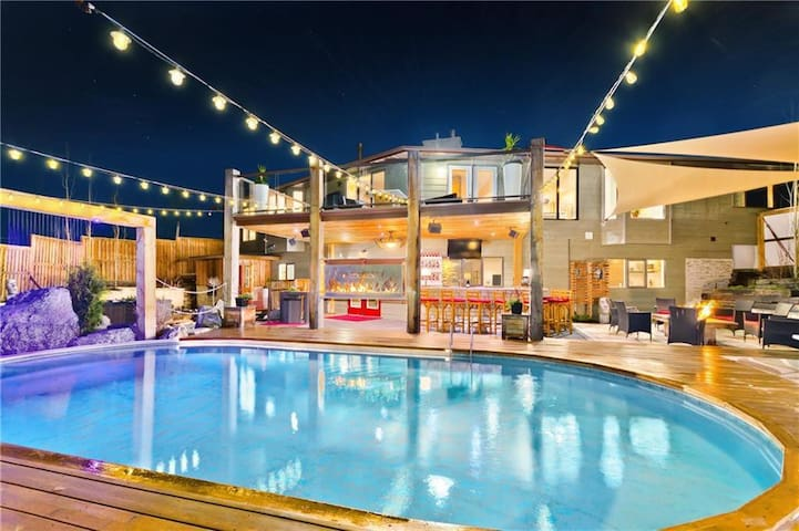 5th Element Villa |Heated Pool|Hot tub|Sauna|BBQ