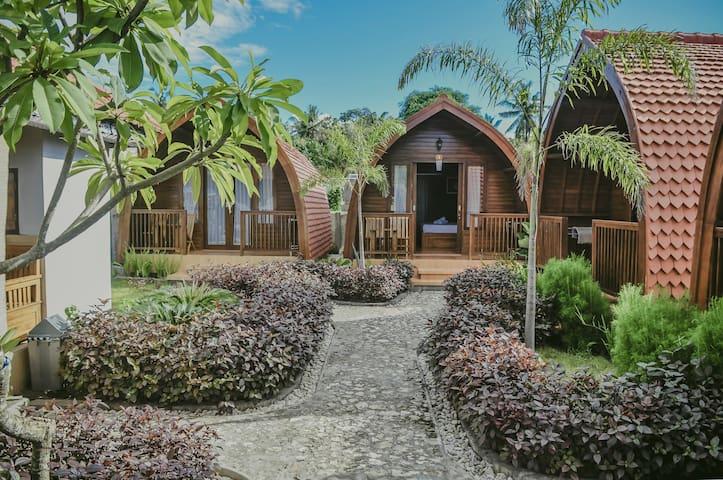 Cozy Lotus Garden Cottage #2