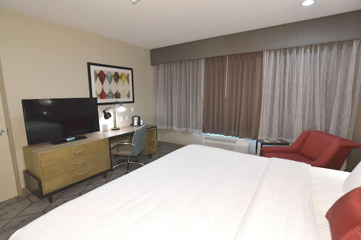 Homely Junior Suite With Kitchenette At Good Location