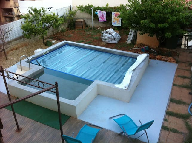 T3 Frontignan grande terrasse, piscine et jacuzzi