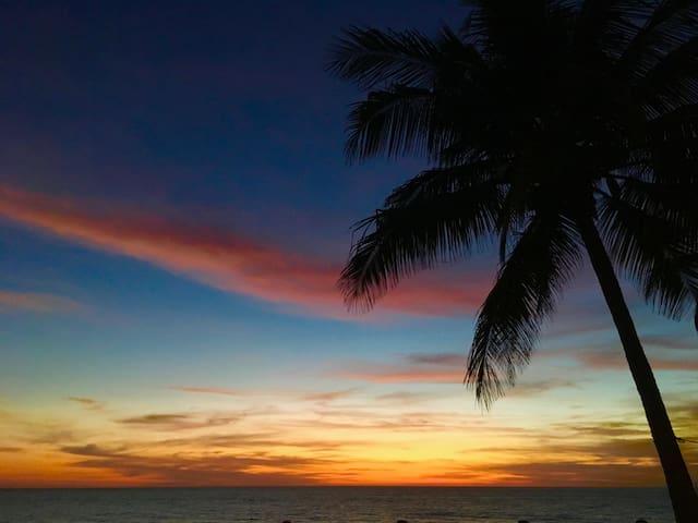 Casa Costa de Oro, On the Beach, Playa Matanchen