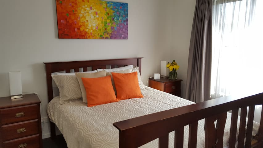 Sunshine Coast - Private Guest Room with Ensuite