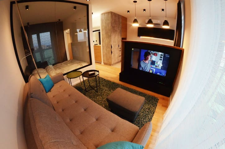 Amazing new apartment in Cracow's city centre, AC!
