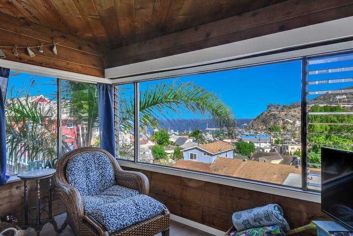 2 bdrm Avalon home + GOLF CART + Balcony & Views, views + views