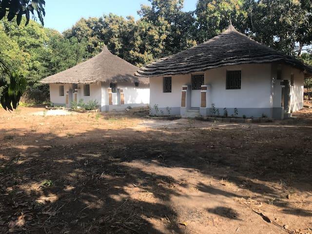 2 cases Diola traditionelles proche de Ziguinchor