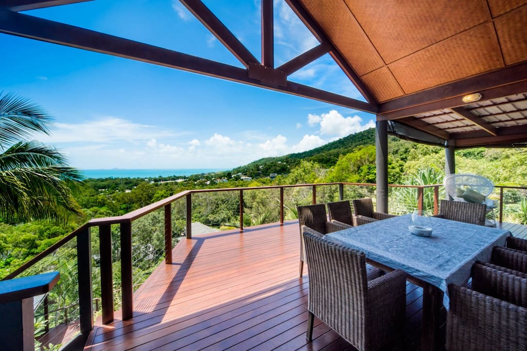 Huge upper deck with fabulous views, great for dining, with bbq