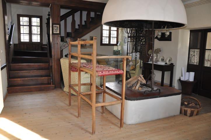 Casa colonica con cortile