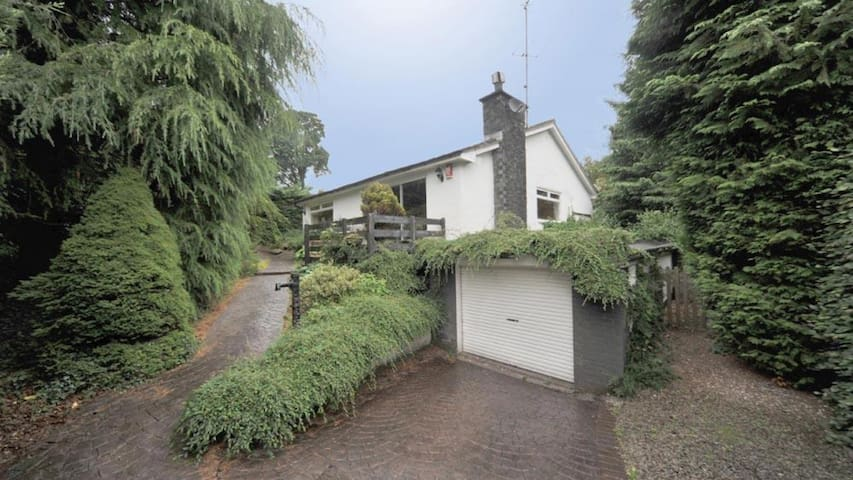 Nutwood Secluded Bungalow