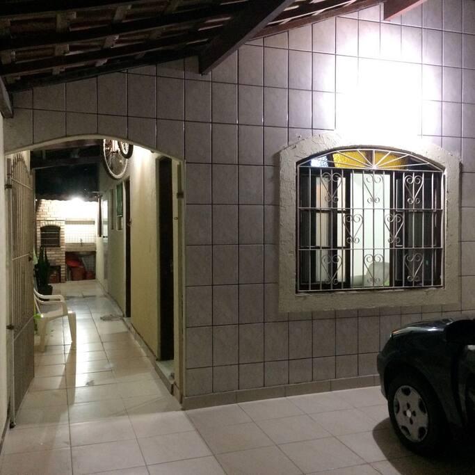 Garagem e corredor