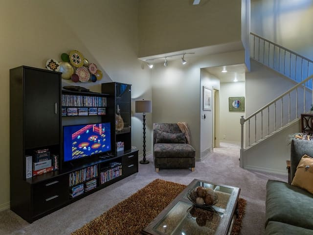 Front Room: hundreds of movies, Nintendo Classic games, Netflix, board games, puzzles and more!