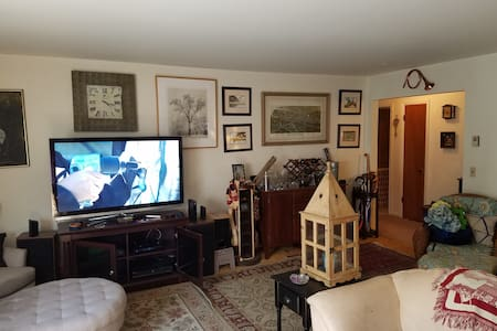 Huge 3br furnished by/water & Beach - Stamford