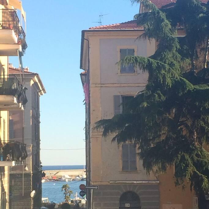 Vista dell'edificio - appartamento posto al terzo piano più sottotetto