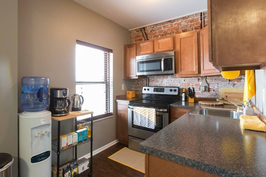 Walk To Cws Charming 2 Bedroom Downtown Loft 2 Apartments For Rent In Omaha Nebraska
