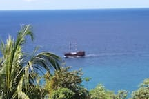Enjoy the view of the ocean as yachts, party cruises and fishing boats commute daily.