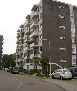small room + douche + toilet + private entrance - Heemstede - Apartament
