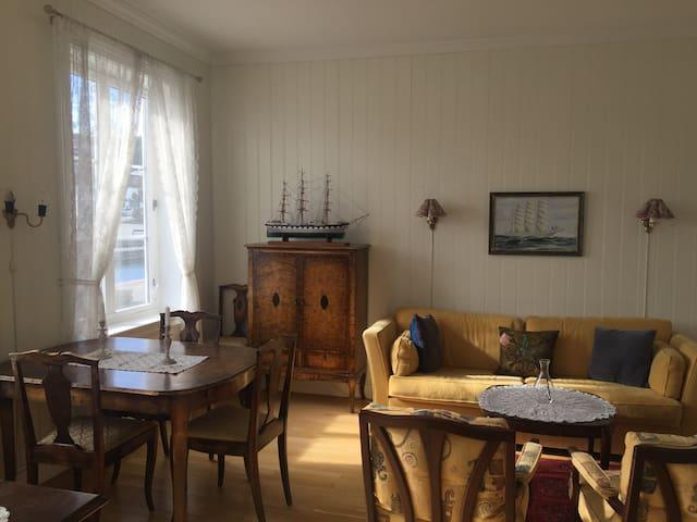Stue med utsikt indre havn