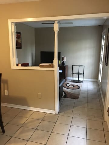 TWO BEDROOM  APT near New Orleans area - Metairie - Flat