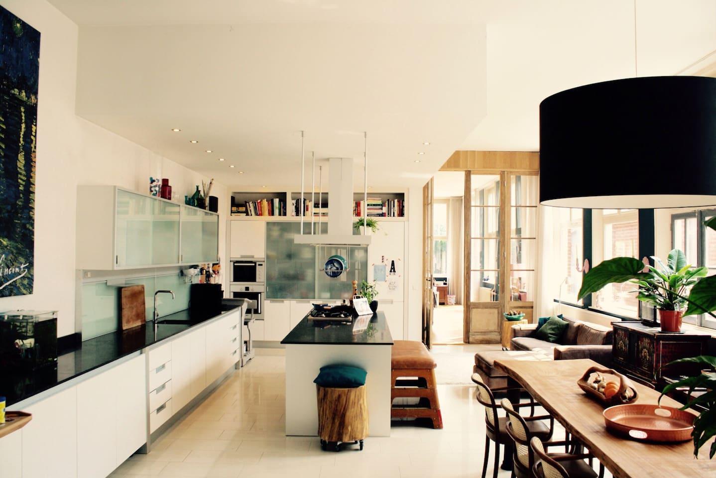 Keuken, voorzien van alle gemakken en apparatuur