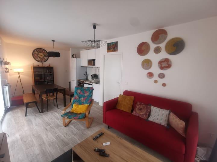beau studio avec terrasse a Bagneux