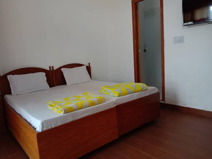 Osho Vision Haridwar Private AC-Room Balcony 02