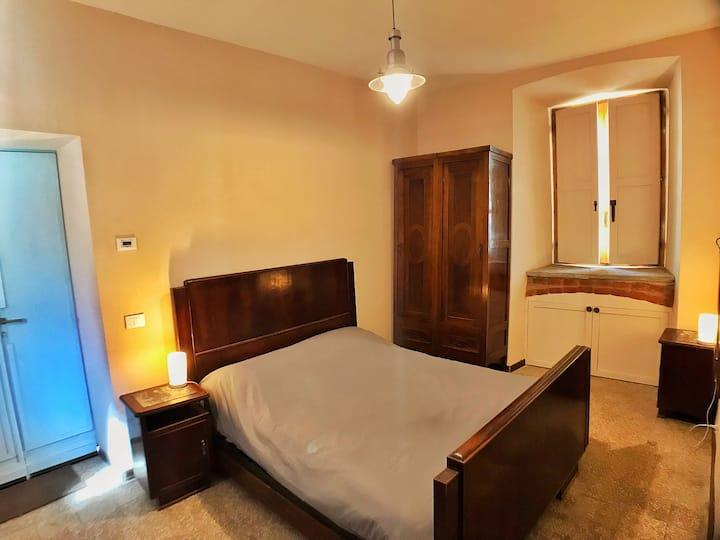 Room 1 in centro Valenza