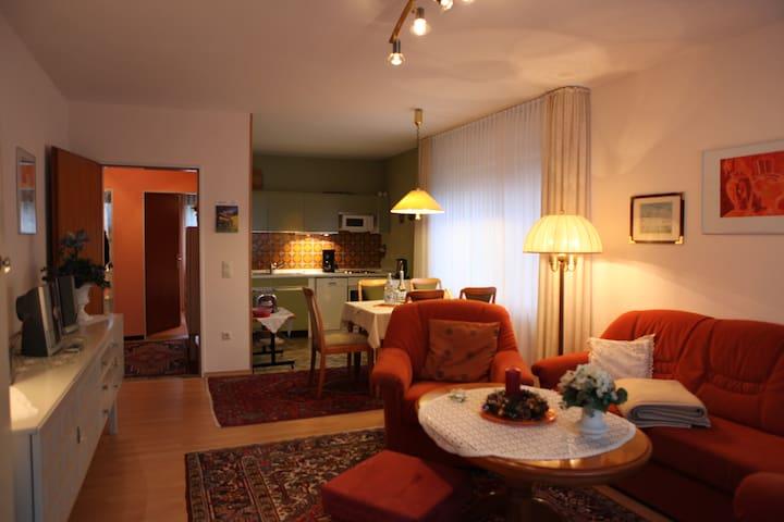Top ausgestattete, ruhige Fewo mit Garten & Balkon - Büsum - Prázdninový dům