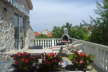 Lovely apartment for 2 persons - Biograd na Moru - Lejlighed