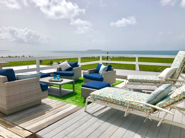 Ocean View 3bdrm Villa with Roof Deck