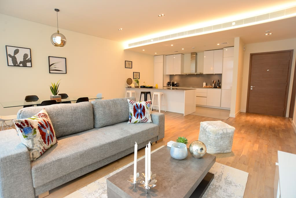 City Walk Luxurious And Modern 1 Bedroom Apartments